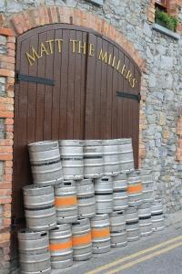 Kilkenny :: Matt the Millers (and last night's empty barrels)