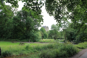 Blarney Castle :: Walking Towards the Castle