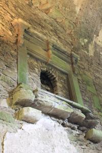 Blarney Castle :: Fireplace (Floor is missing)