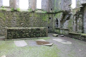 Hore Abbey :: Alter and Graves